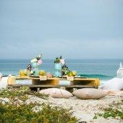 beach, table setting