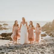 beach wedding, bride, flower girls