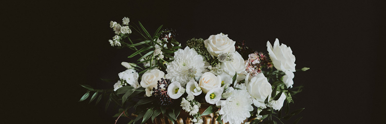 'Looks We Love' - Minimalist Wedding Ideas