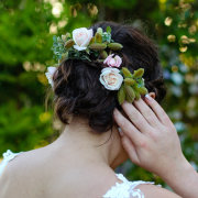 floral hairpiece, hair style