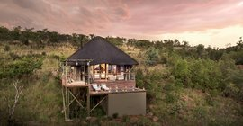 WIN A 2 Night Stay At Mhondoro Safari Lodge & Villa