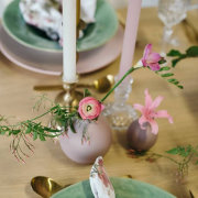 floral accents, floral arrangements, table decor with candles