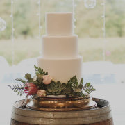 wedding cakes, simplistic - Delana\