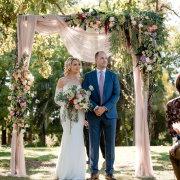bouquets, ceremony, floral arches, floral decor - My Pretty Vintage