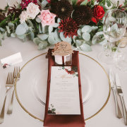 floral centrepieces, table settings - Oh So Pretty Planning