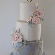 wedding cakes, 2019 cake trends - Sweet Joy