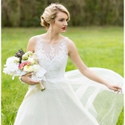 bouquet, wedding dress - Didi Couture