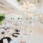 cake, centrepiece, chairs, decor, table setting