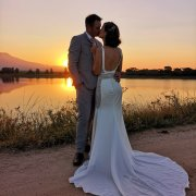 bride and groom, bride and groom, kiss, kiss, wedding dresses, wedding dresses - Pastor Henna