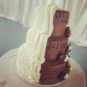 Mon Ami Cakes