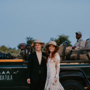 bride and groom, bride and groom, bride and groom - Tanda Tula