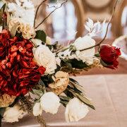 floral centrepieces, floral decor - Barefeet