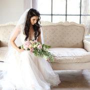 bouquets, bride - Barefeet