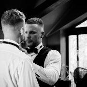 groom and gro