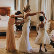 bride, bridesmaids, bridesmaids, flowergirls