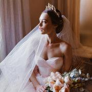 bouquets, tiara
