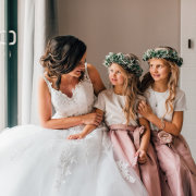 bride, flower crowns, flower girls