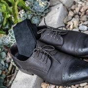 grooms accessories, grooms shoes, tie