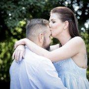 engagement shoot, kiss