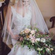 bouquets, veil