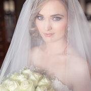bouquet, veil, white roses