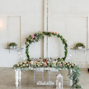 floral decor, floral runner, main table