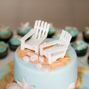 beach wedding, cake