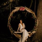 bride, swing