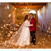 bride and groom, bride and groom, kiss, kiss, kiss