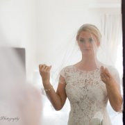 lace wedding dress, veil