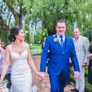 confetti, bride and gromm