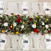 floral centrepiece, table setting, table setting